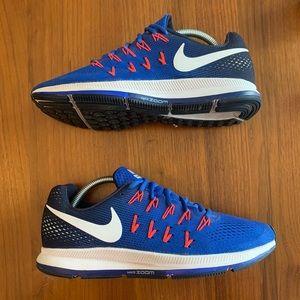 Nike Pegasus 33 Running Sneakers